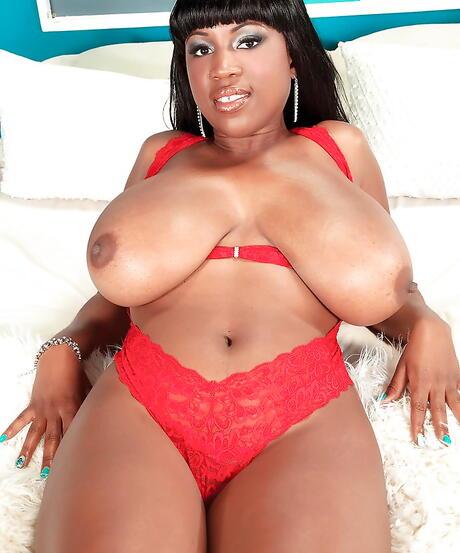 Big Ebony Tits Pics