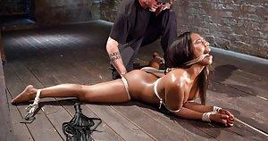 Ebony BDSM Pics