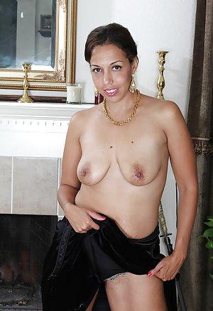 Ebony Nipples Pics